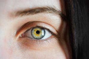 8 симптомов проблем со здоровьем, которые можно определить по глазам
