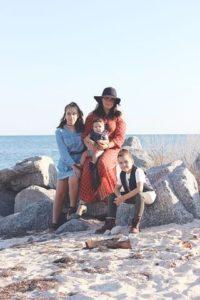 У меня трое деток, и я решилась разойтись с мужем