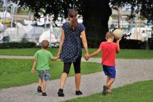 ТОП-7 удивительных фактов, подтверждающих непоколебимую связь матери и сына