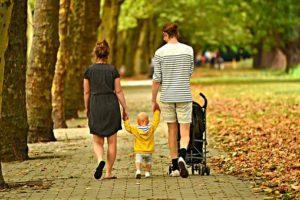 """""""""""Отец, в кустиках какой-то мужик ждет маму, чтобы прокатить"""" - как сынок смог сделать меня виноватой перед супругом """""""