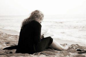 Меня напрягает одиночество в 60 лет. Делюсь тем, как мне живется