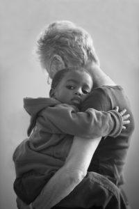 Родня отказалась забрать к себе сироту, и лишь родной дядя не дал девочке расти в приюте