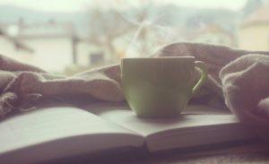 Жена просит кофе и завтрак в постель. Не пойму в чём романтика?- я так и ответил.