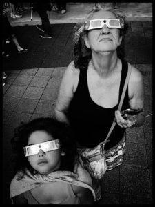 Бабушки тоже люди. С внуками сидеть не обязаны