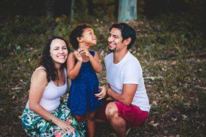 Муж хотел сына. Узнал, что родилась дочка — даже из роддома не встретил